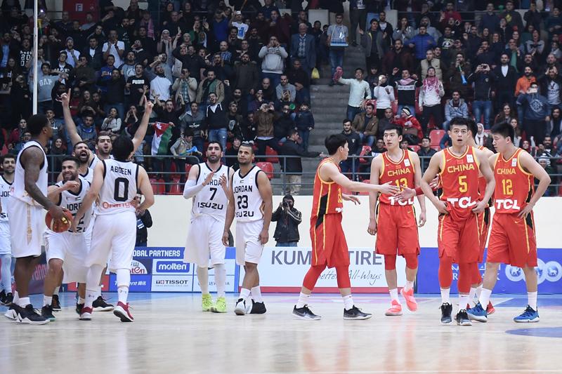 世预赛中国男篮客场62-86惨负约旦